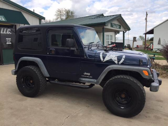 2005 Jeep Wrangler for sale at TOWN & COUNTRY MOTORS INC in Meriden KS