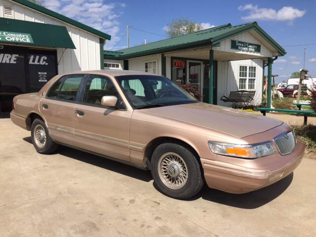 1996 Mercury Grand Marquis for sale at TOWN & COUNTRY MOTORS INC in Meriden KS