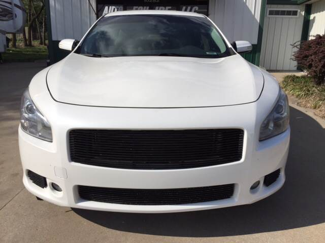 2010 Nissan Maxima for sale at TOWN & COUNTRY MOTORS INC in Meriden KS