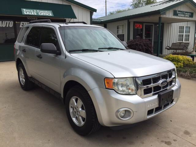 2011 Ford Escape for sale at TOWN & COUNTRY MOTORS INC in Meriden KS