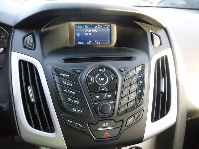 2014 Ford Focus SE 4dr Sedan - Havelock NC
