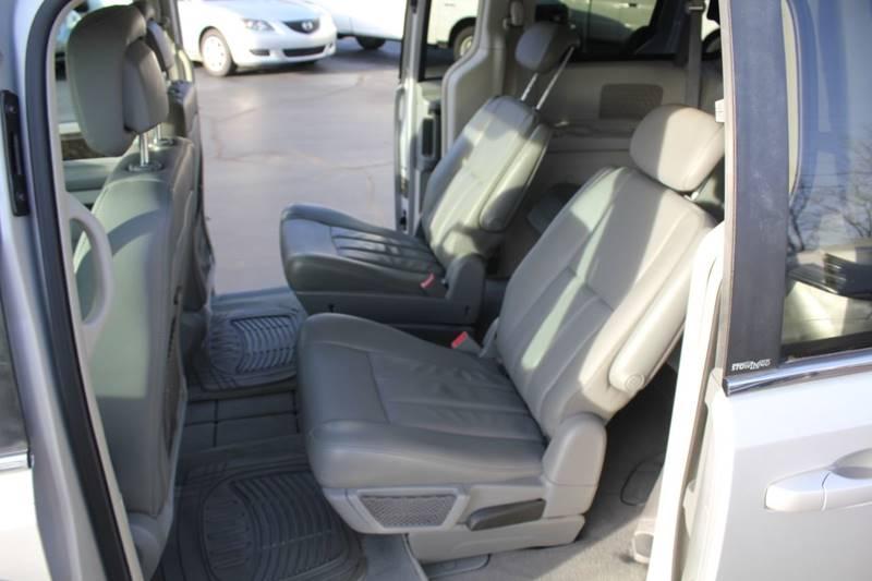 2010 Dodge Grand Caravan SXT (image 15)
