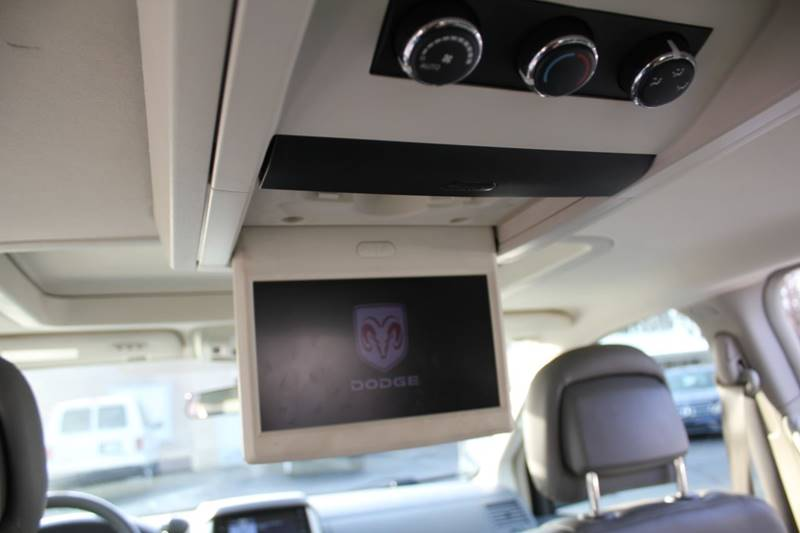 2010 Dodge Grand Caravan SXT (image 16)