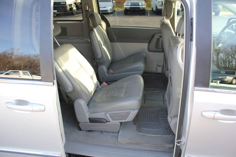 2010 Dodge Grand Caravan SXT (image 19)