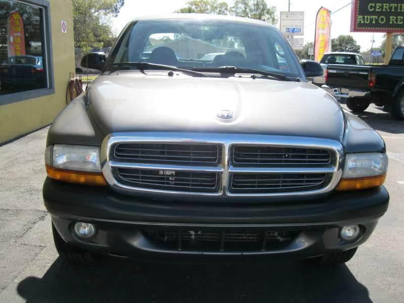 2004 Dodge Dakota for sale at PARK AUTOPLAZA in Pinellas Park FL