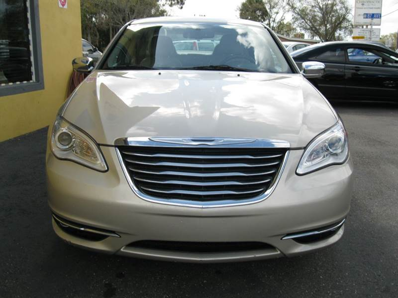 2014 Chrysler 200 for sale at PARK AUTOPLAZA in Pinellas Park FL