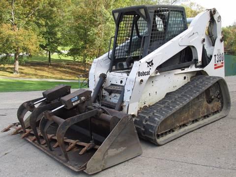 2005 Bobcat T300 Track Skid Loader