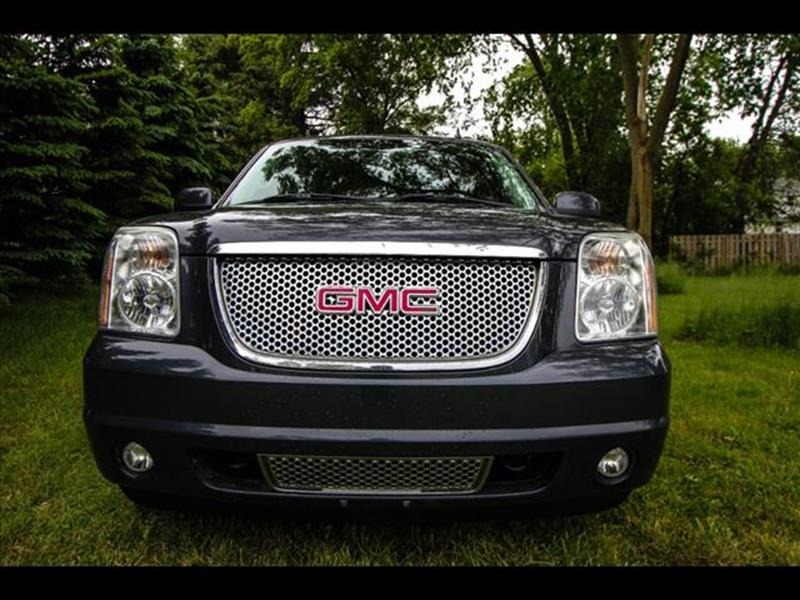 2008 GMC Yukon for sale at HUFF AUTO GROUP in Jackson MI