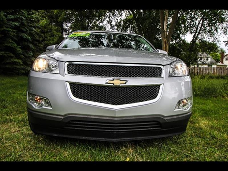 2009 Chevrolet Traverse for sale at HUFF AUTO GROUP in Jackson MI