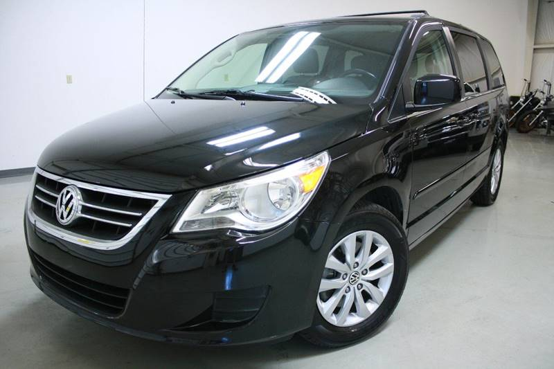 2012 Volkswagen Routan SE 4dr Mini-Van w/ RSE and Navigation - Holland MI
