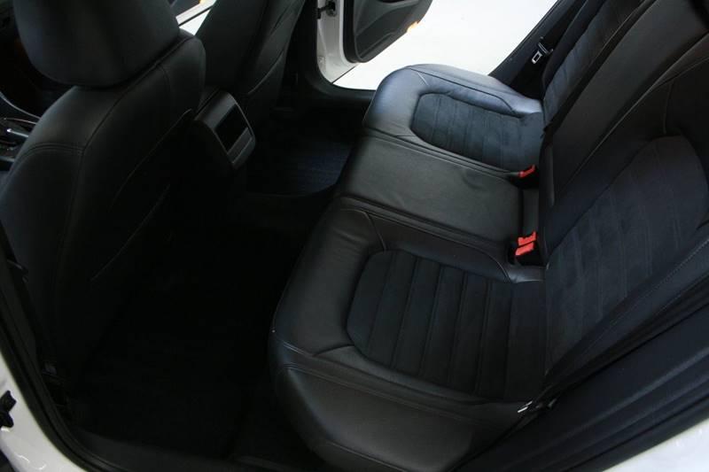 2012 Volkswagen Passat V6 SEL Premium 4dr Sedan - Holland MI