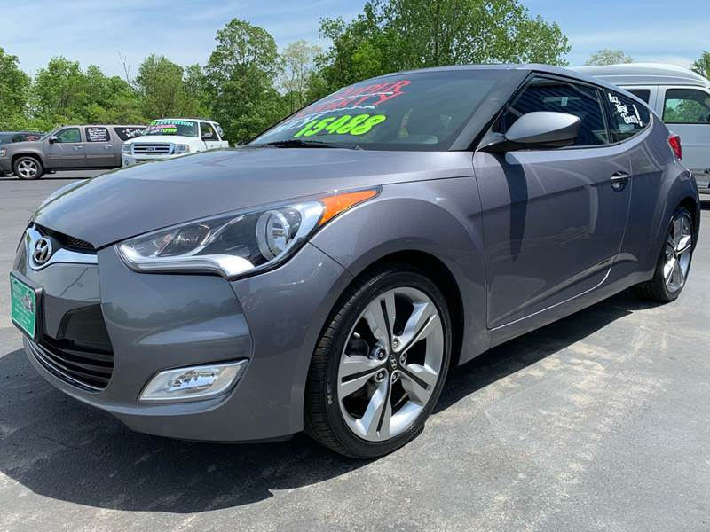 2016 Hyundai Veloster 3dr Coupe 6M w/Yellow Accent Interior - Delaware OH