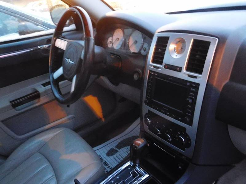 2006 Chrysler 300 for sale at Best N Value Auto Sales in Akron OH