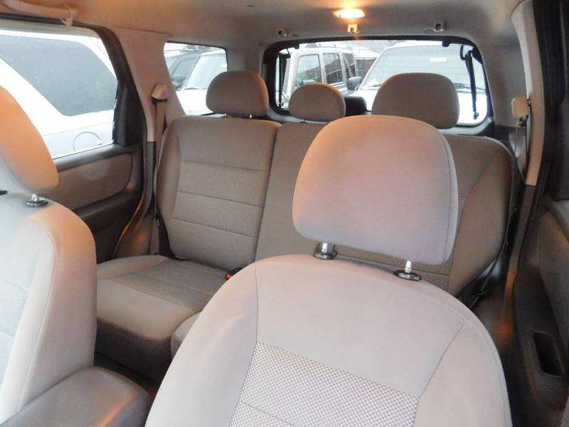 2005 Ford Escape for sale at Best N Value Auto Sales in Akron OH