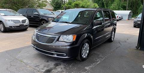 2016 Chrysler Town and Country for sale in Snellville, GA