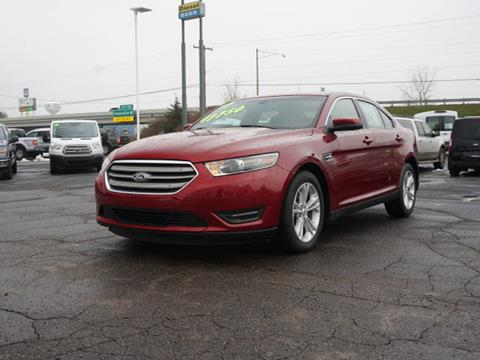 2017 Ford Taurus for sale in Fowlerville, MI