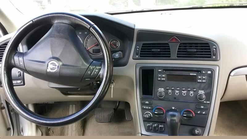 2005 Volvo S60 2.4 4dr Sedan - Frederick MD