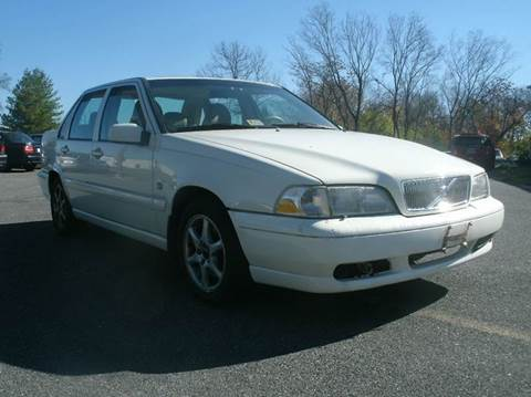 2000 Volvo S70 for sale at University Auto in Frederick MD