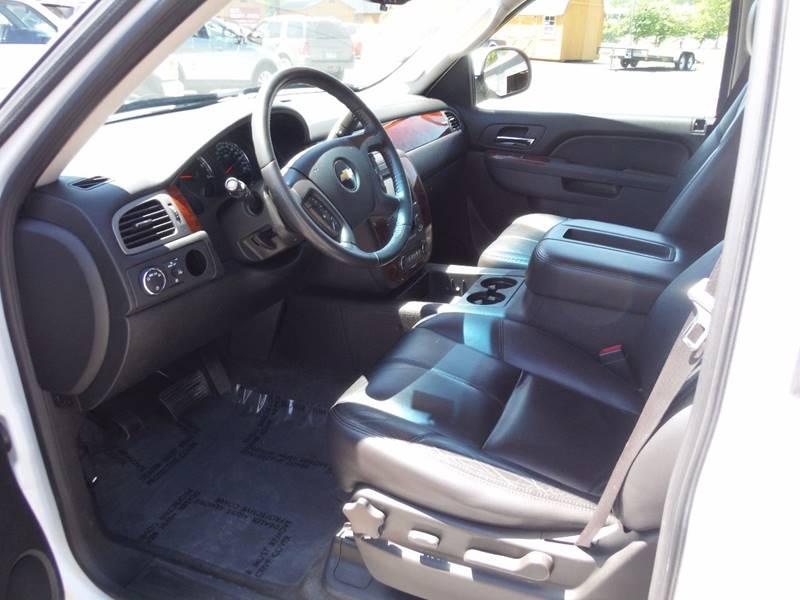 2010 Chevrolet Suburban 4x4 LT 1500 4dr SUV - Saint Bonifacius MN