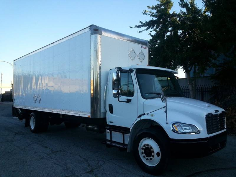 2012 Freightliner Business Class M2 26 FEET BOX WITH
