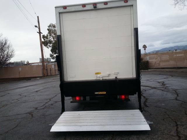 2011 Isuzu Npr / Npr-Hd 14 FEET BOX TRUCK WITH LIFTGATE In
