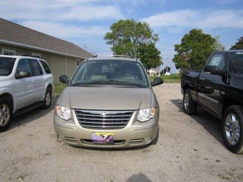 2005 Chrysler Town and Country for sale in Rogers City, MI