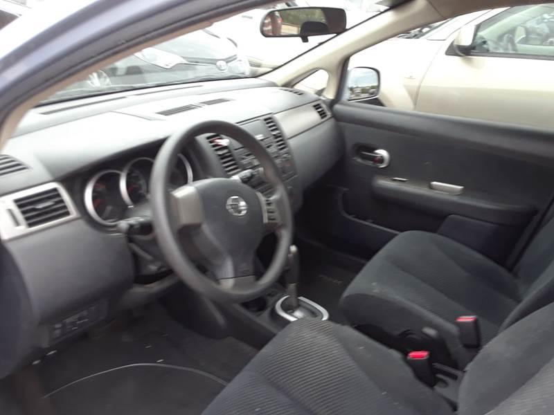 nissan tiida 2011 hatchback interior