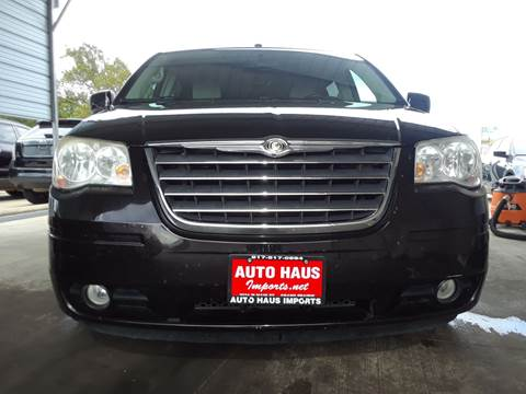 2010 Chrysler Town and Country for sale in Grand Prairie, TX