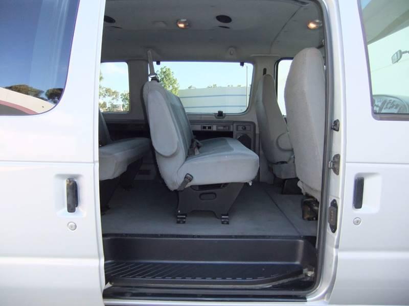 2007 Ford E-Series Wagon E-350 SD XLT 3dr Extended Passenger Van - San Diego CA