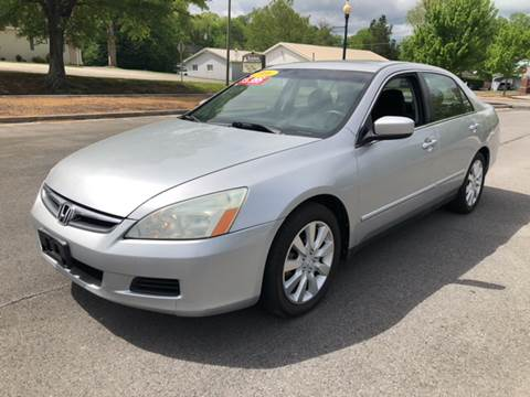 2006 Honda Accord for sale at Diana Rico LLC in Dalton GA