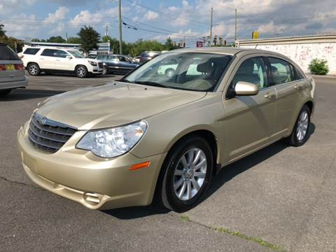 2010 Chrysler Sebring for sale at Diana Rico LLC in Dalton GA