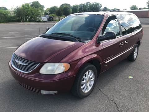 2001 Chrysler Town and Country for sale at Diana Rico LLC in Dalton GA