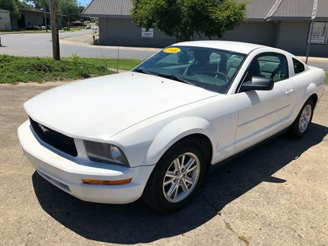 2008 Ford Mustang for sale at Diana Rico LLC in Dalton GA