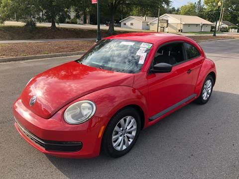 2013 Volkswagen Beetle for sale at Diana Rico LLC in Dalton GA