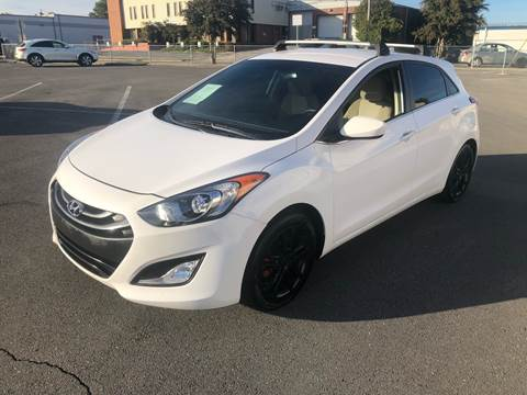 2013 Hyundai Elantra GT for sale at Diana Rico LLC in Dalton GA