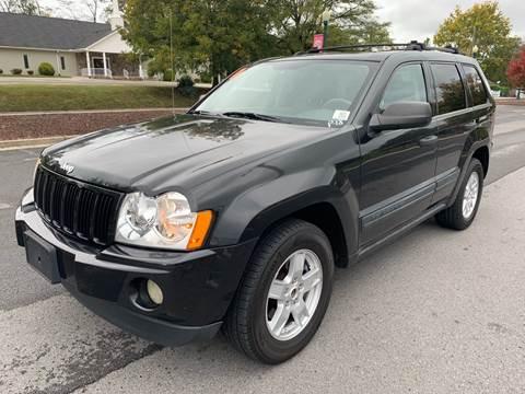 2005 Jeep Grand Cherokee for sale at Diana Rico LLC in Dalton GA