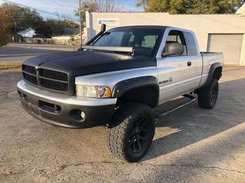 2001 Dodge Ram Pickup 1500 for sale at Diana Rico LLC in Dalton GA