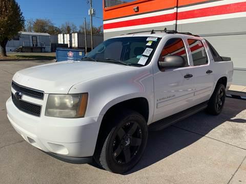 2007 Chevrolet Avalanche for sale at Diana Rico LLC in Dalton GA