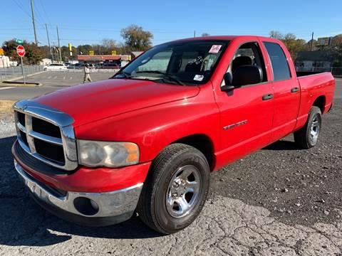 2004 Dodge Ram Pickup 1500 for sale at Diana Rico LLC in Dalton GA