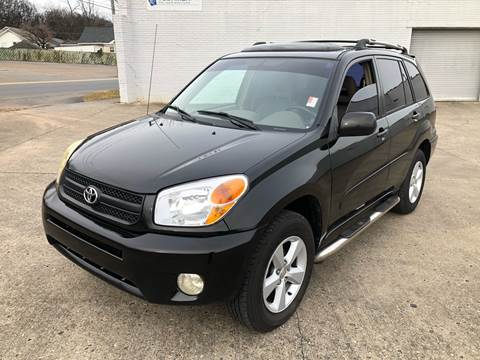 2004 Toyota RAV4 for sale at Diana Rico LLC in Dalton GA