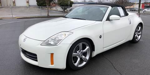 2006 Nissan 350Z for sale at Diana Rico LLC in Dalton GA
