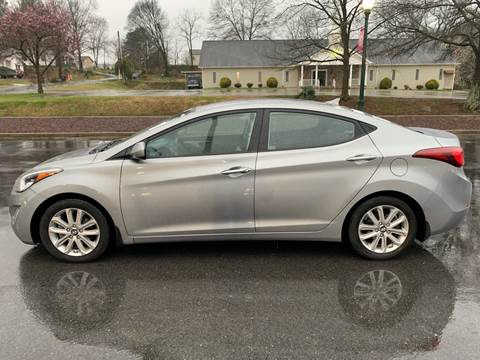 2015 Hyundai Elantra for sale at Diana Rico LLC in Dalton GA