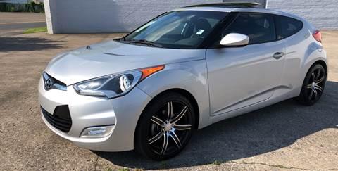 2013 Hyundai Veloster for sale at Diana Rico LLC in Dalton GA