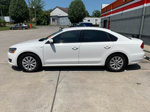 2015 Volkswagen Passat for sale at Diana Rico LLC in Dalton GA