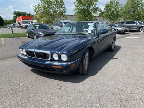 1998 Jaguar XJ-Series for sale at Diana Rico LLC in Dalton GA