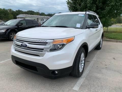2013 Ford Explorer for sale at Diana Rico LLC in Dalton GA