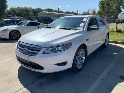 2010 Ford Taurus for sale at Diana Rico LLC in Dalton GA