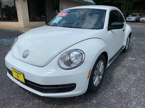 2014 Volkswagen Beetle for sale at Diana Rico LLC in Dalton GA