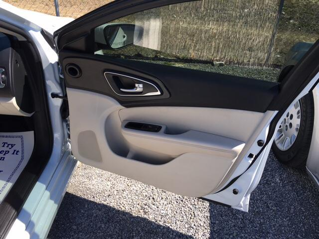 2015 Chrysler 200 Limited 4dr Sedan - Hartsville SC