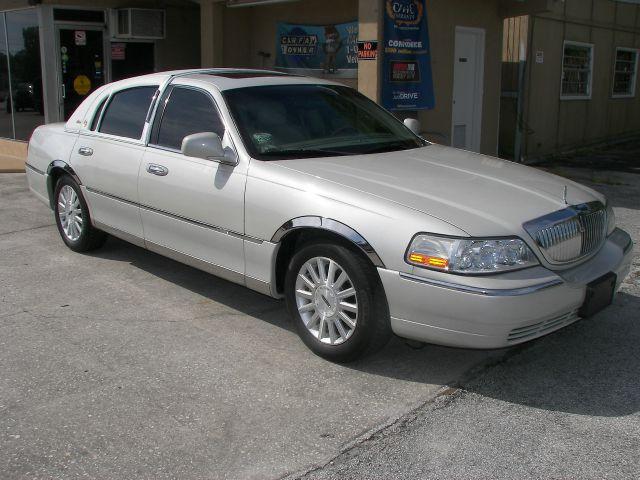 2004 Lincoln Town Car Ultimate 4dr Sedan In Daytona Beach